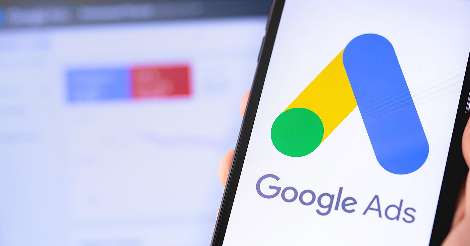 Google Ads перевёл адаптивные поисковые объявления в формат по умолчанию